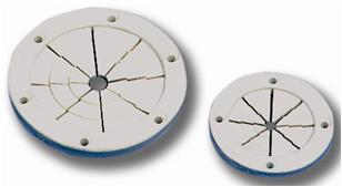 Kabeldurchlass mit elastischen Lamellen