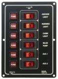 Schalterpaneel, 6-fach, vertikal mit beleuchtetem Schaltern und je einem Satz Sicherungen.