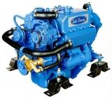 Dieselmotor Sole Mini 44/SD mit 4 Zylindern 42 PS mit Saildrive Technodrive SeaProp 60 2,15 und Polyesterfundament
