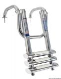 Ausziehbare und extrem kompakte Badeleiter für Badeplattform mit Griffen